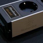 Hydra6 Rhodium- Gold hálózati szűrős elosztó Furutech FI-06 aljzat