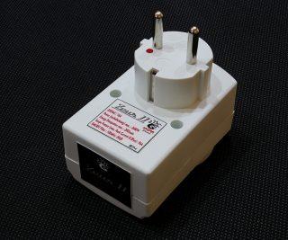 Zeus II Furutech NANO FluxPower Conditioner